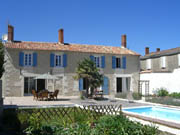 3 Bedroom Gite with heated Pool